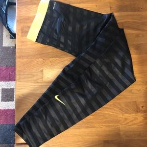 Nike pro black with yellow leggings